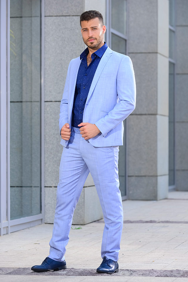 חליפת חתן קלאסית בצבעי כחול ללא עניבה
