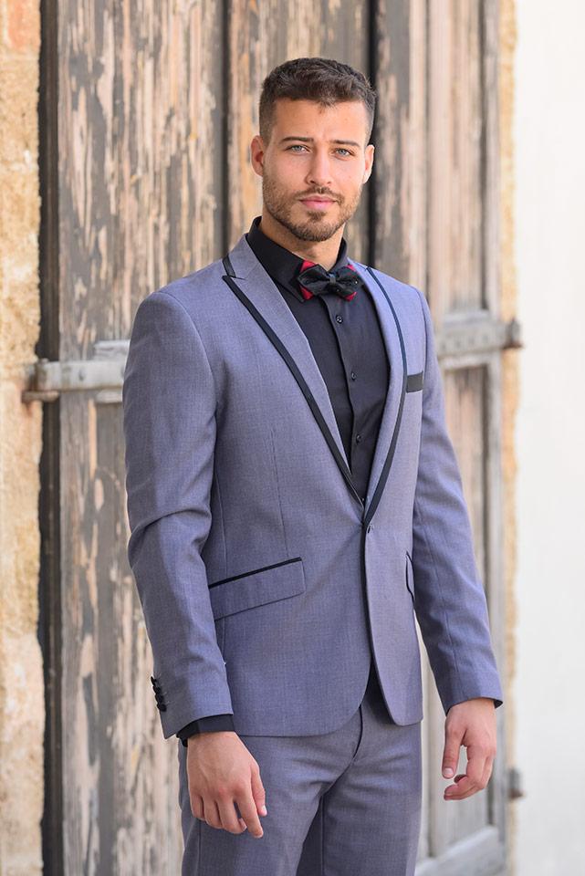חליפת חתן מעוצבת עם פפיון שחור-אדום