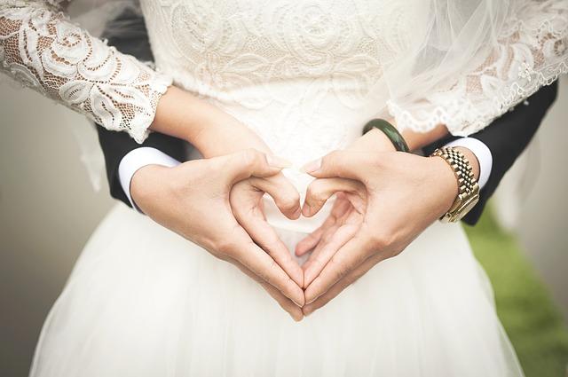 טיפים לתכנון חתונה קטנה וזולה