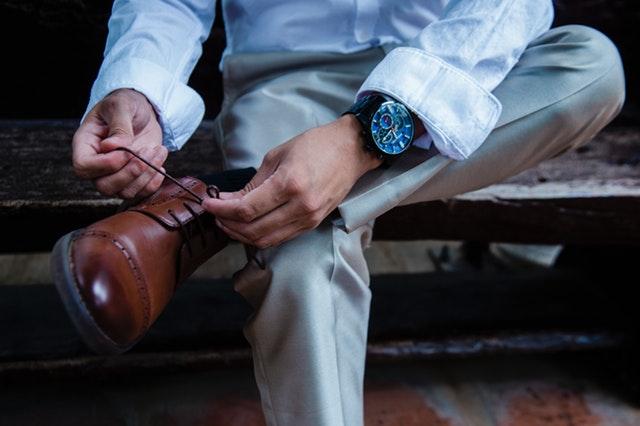 התאמת נעליים לחליפת חתן